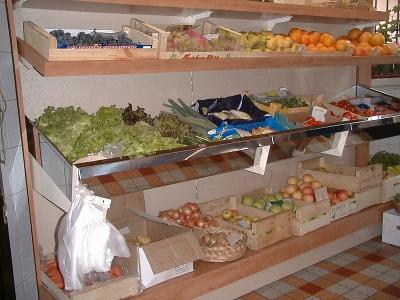 8d919e46165d15 Passez sur les images ci-dessus pour voir les photographies correspondantes  aux gondoles modulaires pour l agencement de magasins d Alimentation.